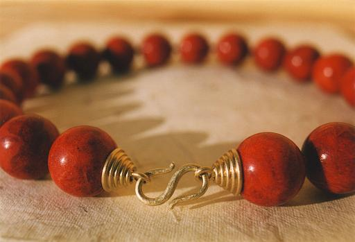 Red coral chain