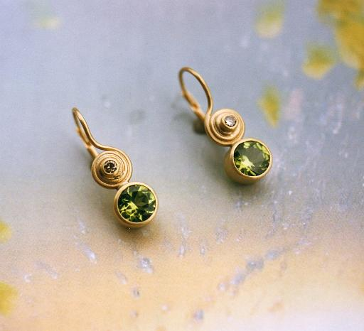 Peridot earrings with brilliant-cut diamonds